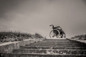 alternative-treppensteiger_wheelchair-567812_640-by-ferobanjo-pixabay-com